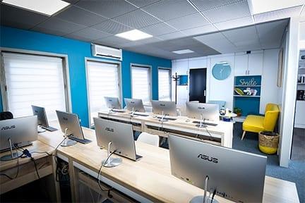 Salle de formation informatique à Grenoble